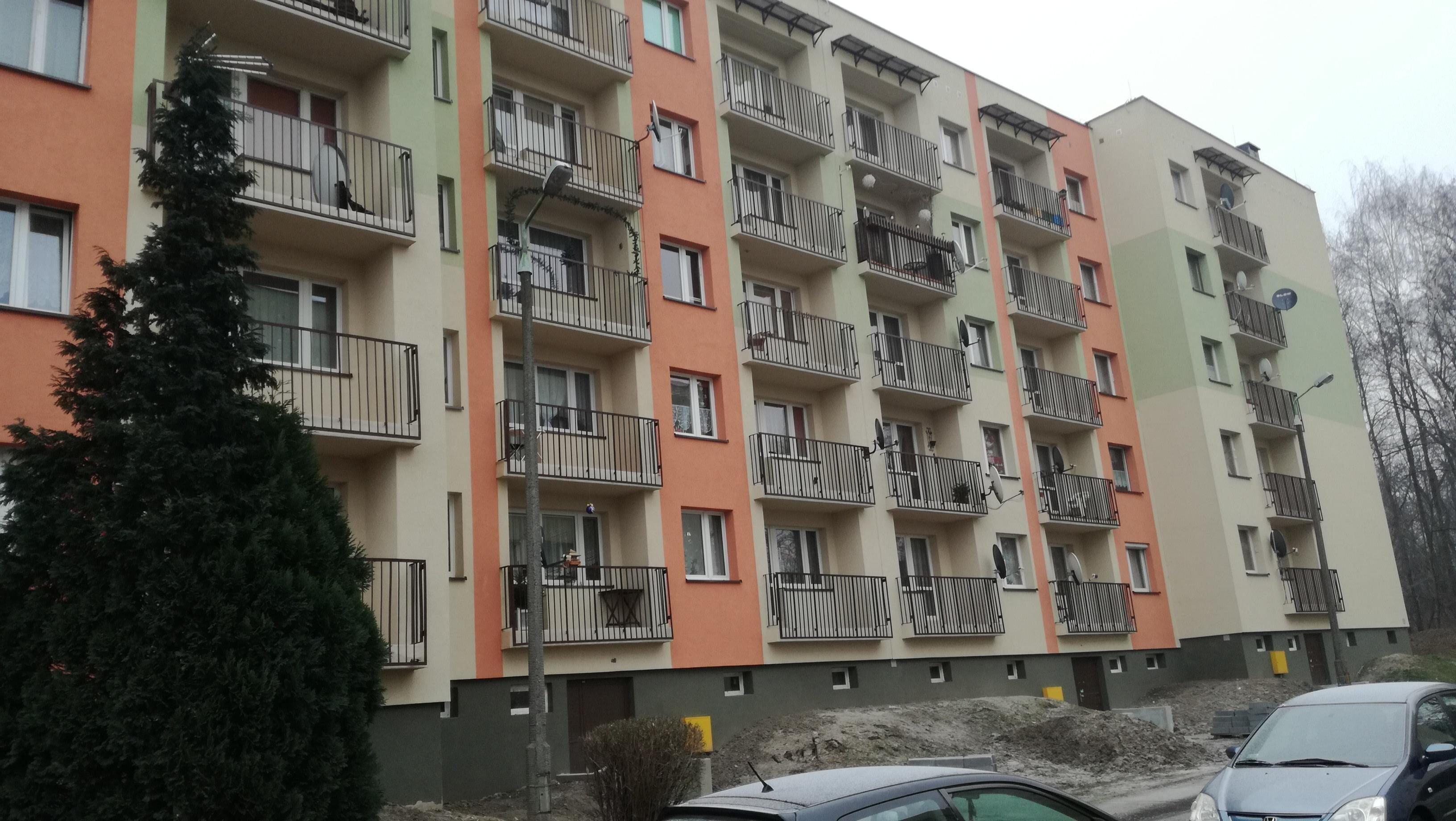 docieplenie_elewacji_budynku_2011_swietochlowice_