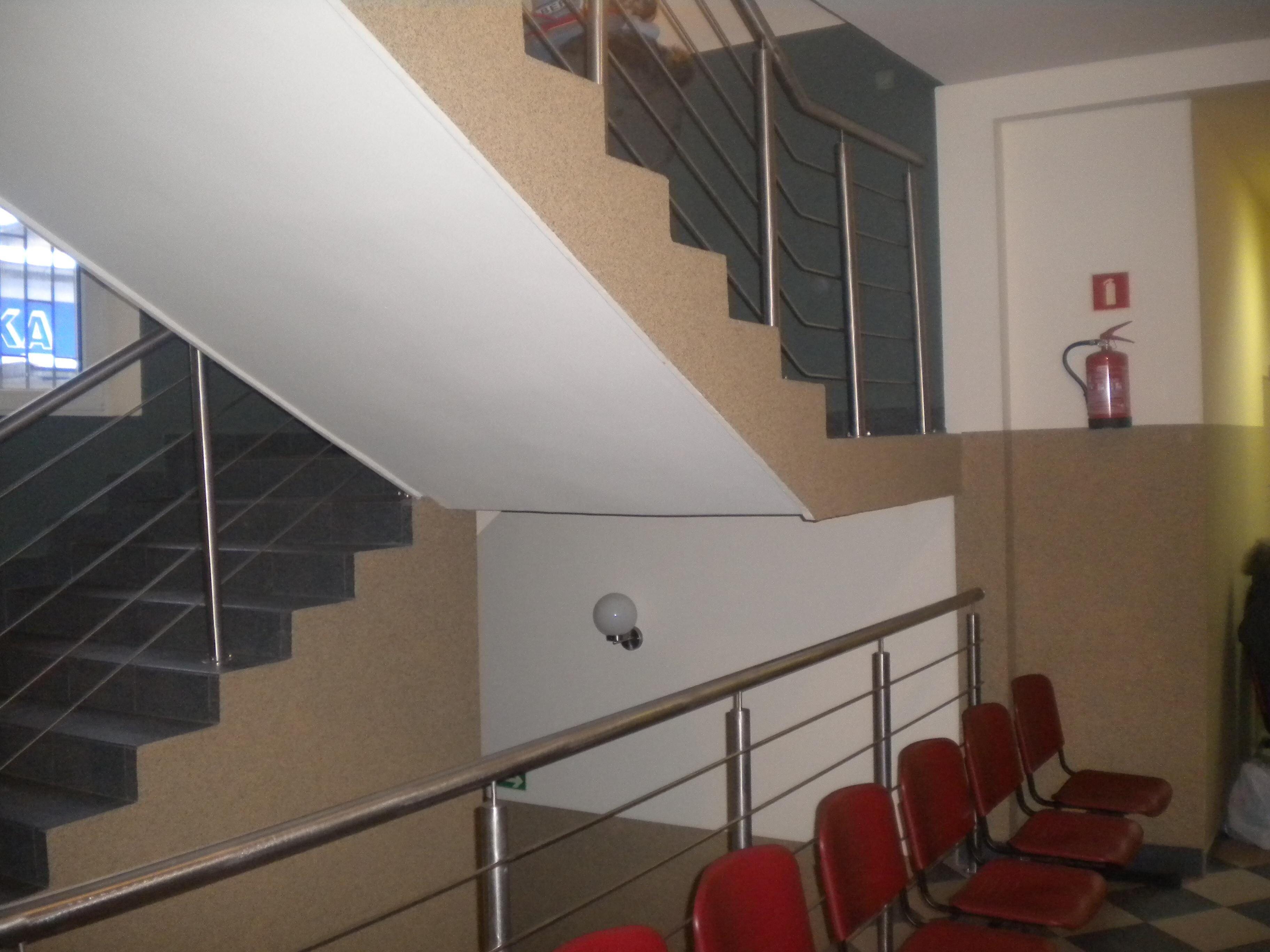 malowanie_kafelkowanie_wymiana_stolarki_drzwiowej2011_